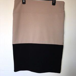 """NWOT LuLaRoe XL """"Cassie"""" Pencil Skirt"""